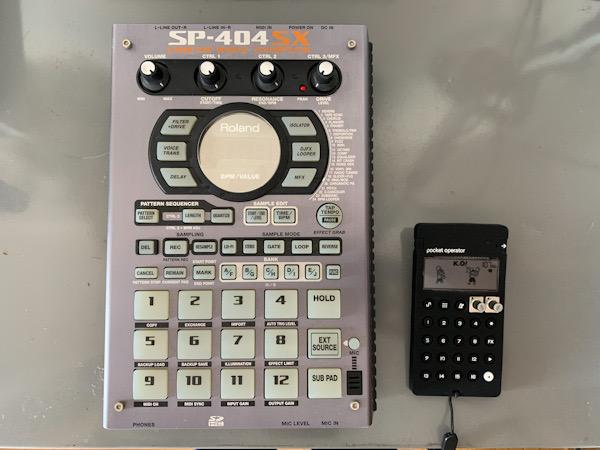 「PO-33 K.O!」と「SP-404SX」